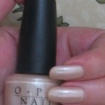 OPI B79 Sand In My Suit_t