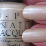 OPI B79 Sand In My Suit_tb