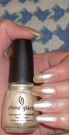 China Glaze CG-77050 Platinum Pearl_e