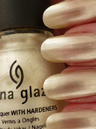 China Glaze CG-77050 Platinum Pearl_tb