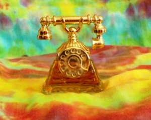 Avon - Petit Telephone